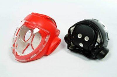 Czarny kask z maską - sztuczna skóra